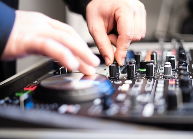 DJs for Birthday Parties.jpg