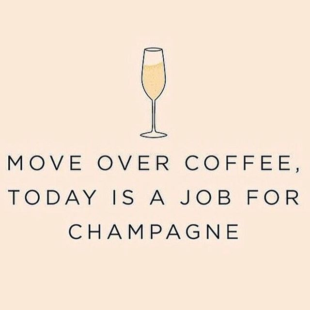Let the weekend begin! 🍾 🥂 #apluxegirl #apluxesalon #champagnecampaign #friyay