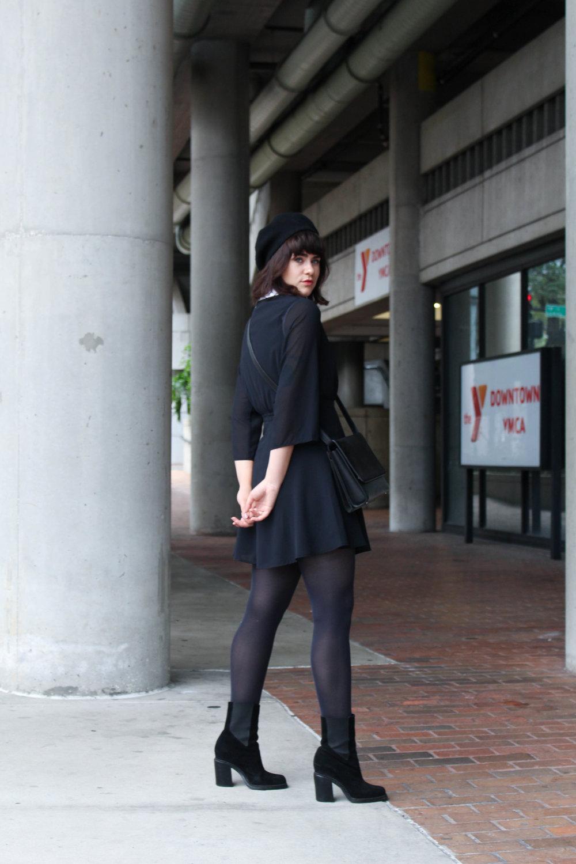 blackdress-3.jpg