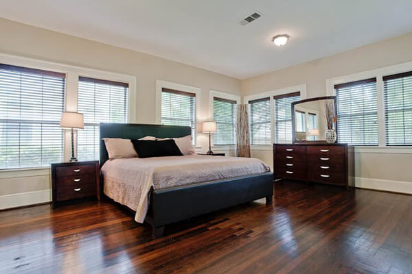 Bedroom Areas   In Addition To The Regular Vacuuming, Mopping, Organizing  And Dusting We