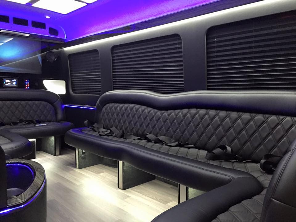 Mercedes benz luxury sprinter limousine 8 10 passengers for Luxury mercedes benz sprinter
