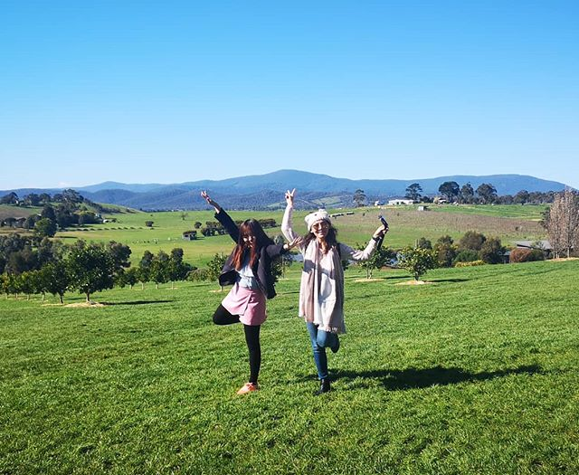 The girl who used to visit me when I was a Barista in Starbucks with a laptop to play Dota 1. And I used to laugh at her for playing the game so much. 😂 Oh how times have changed... Here's to alot more adventures and new chapters in life ahead 😘 ° ° #Melbourne #throwback #bffgoals #bff #nature #gorgeousview #like4likes #likebackinstantly #tagforlikes #travelgram #exploretheworld #workhardplayhard #lifegoals #followforfollowback