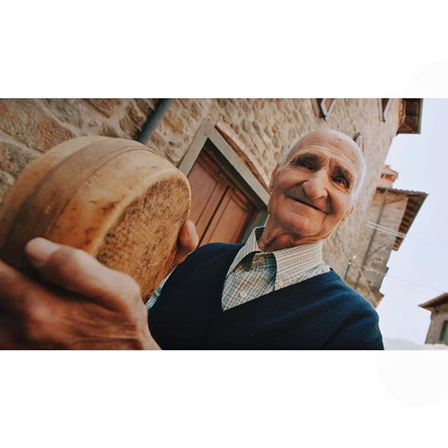 this friend loves to roll cheese down the streets of a small town in tuscany ✨🧀✨ . . #visitearth  dir. @mackshepp  @wkamsterdam . . @werkaanzee @emmamal @joeburrin @evgeny_primachenko @akvilejaskunaite @jaimetan @mrfesser @pavel_ams @tjalfmelle @ambassadors.studio @dannyboybruce @nishataragautam