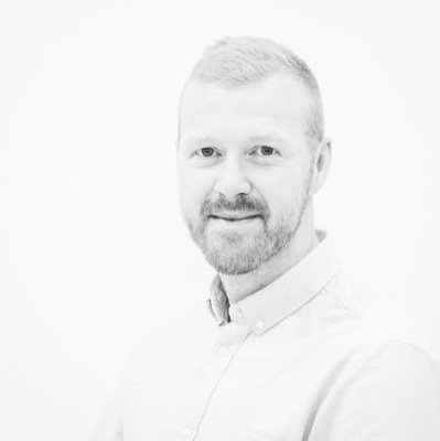 Murray Dick Experience Designer Murray is an Experience Designer at 15/30. He inspires those around him with radical thinking and an unbridled enthusiasm for just about everything. Currently he is applying his know-how in experience design in development of Nanohabits™.