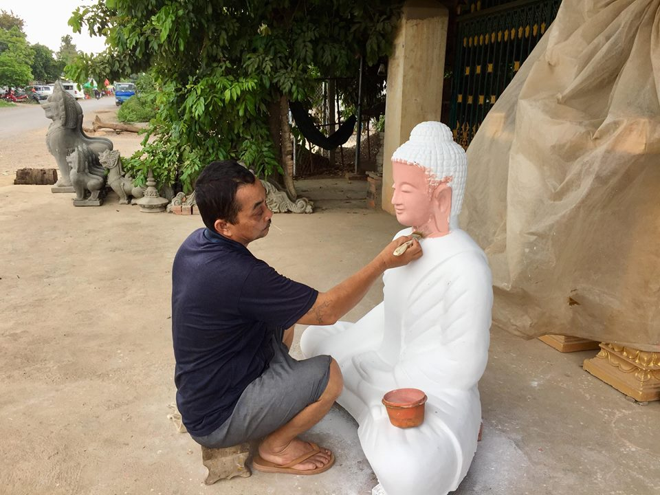 Buddha statue is under construction