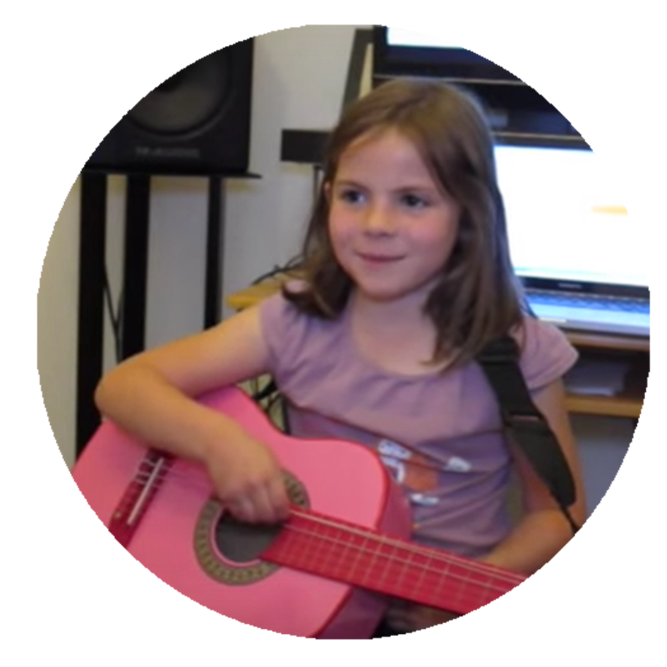 Aubane, 7,  Child acoustic guitarist