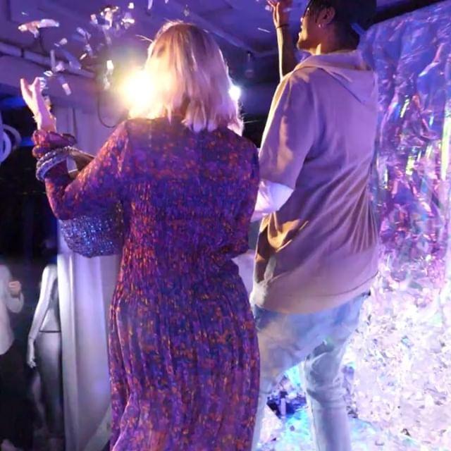 När @hoss.agency ordnar festen åt @idealofsweden kan det inte bli annat än succé! Vår 💫360💫 med rymd-backdrop fångade flera stjärnor denna kväll ✨.