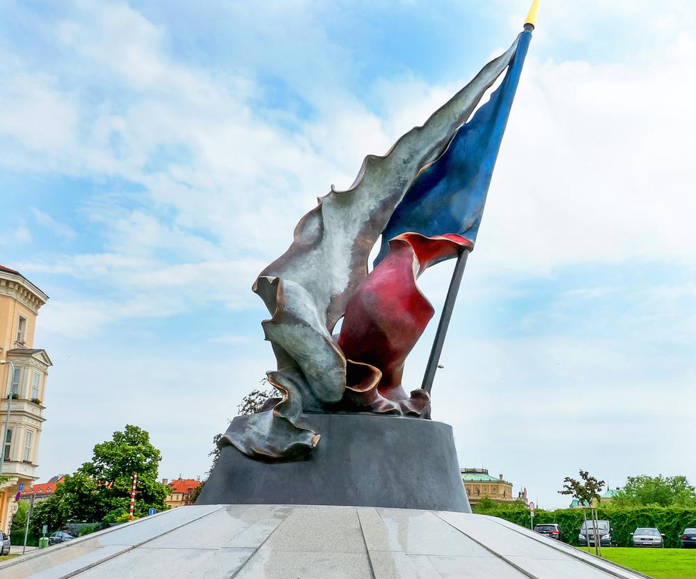 Klarov Memorial