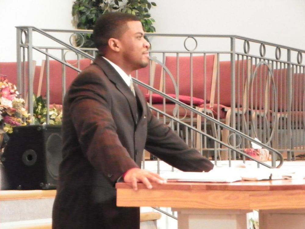 Minister_Avery_L_Farmer.jpg