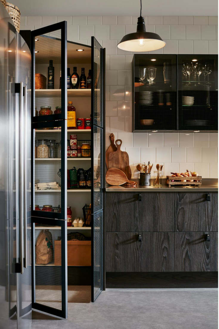 Friday Inspiration: Clever Pantry Ideas - We gathered some cool pantry ideas for you. Do you need a pantry remodel? Check them out at www.olliePopDesign.com and follow us on Pinterest @olliepop_design for more interior design and home decor ideas #homedecor #interiordesignideas