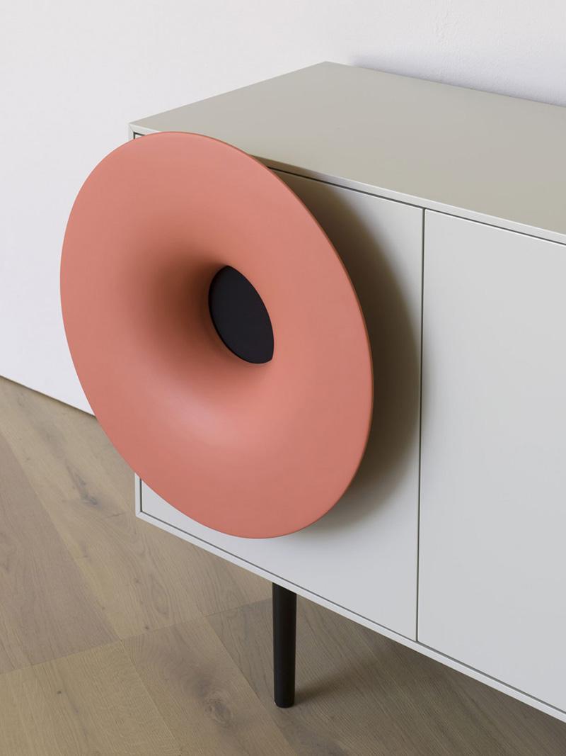 horn-cabinet-02.jpg
