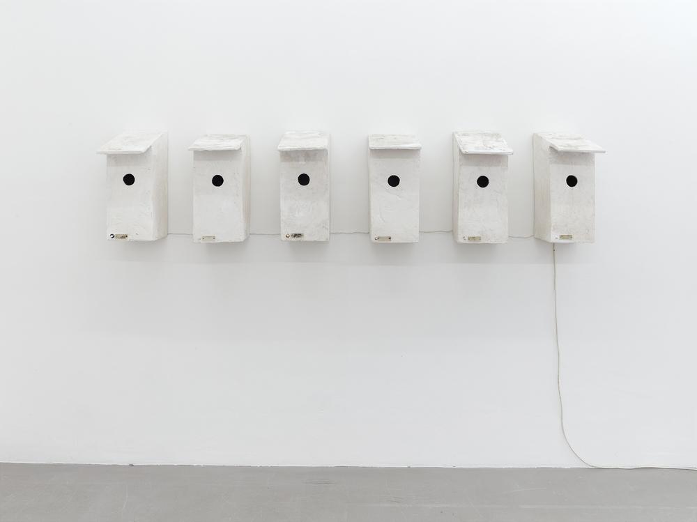 Inge Mahn, Vogelkästen mit Türklingeln (Bird Boxes with doorbells), 1981