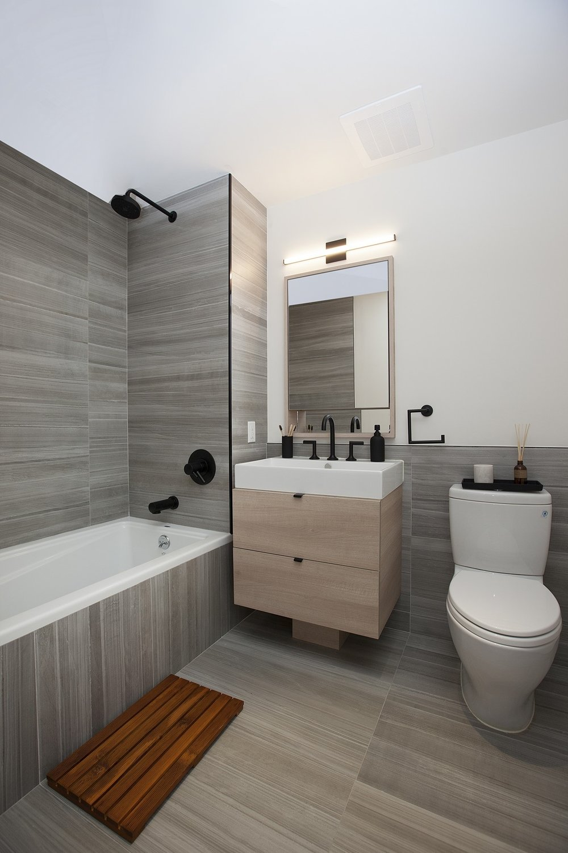 60th_Street_968_Model01_Bathroom_Alt_.jpg