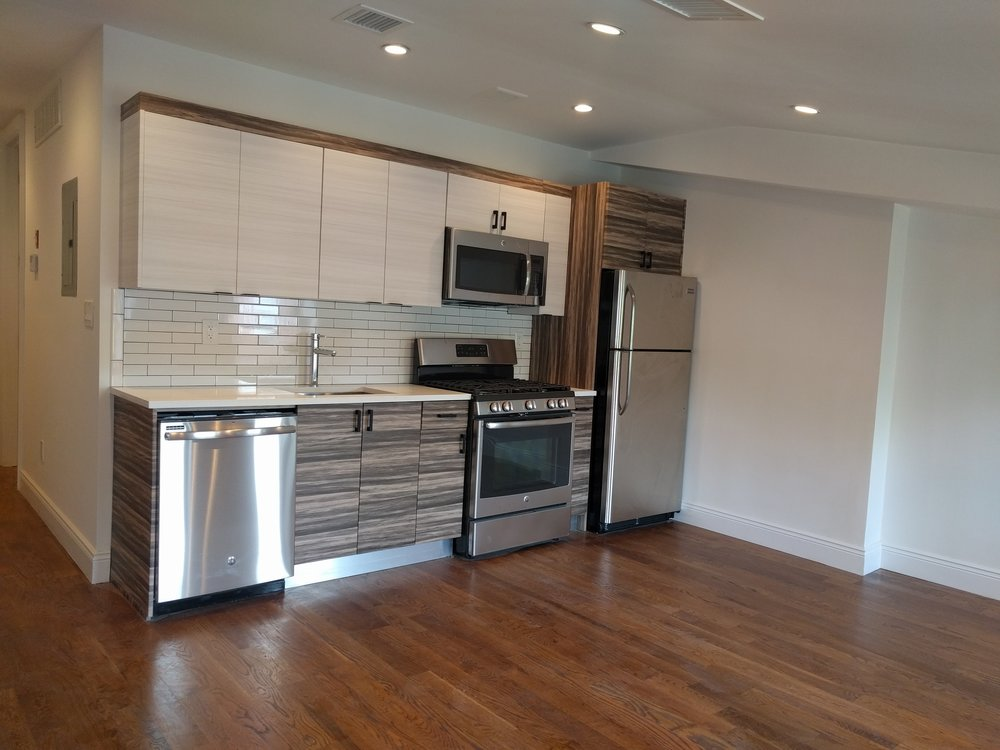 194 Van Buren Street - Rent $2,6502 Bed · 1 BathGorgeous 2 Bedroom apartment located in a Classic Brownstone in Bed-Stuy with a PRIVATE ROOF DECK!**NO FEE**Apartment Features:LARGE Bedrooms with big closetsTONS of Big windowsWasher dryer hookupBrand new kitchen with top of the line SS appliances w/DishwasherGreat cabinet spaceLarge RENOVATED bathroomCentral Heat & AirMassive PRIVATE Roof DeckCITY Views