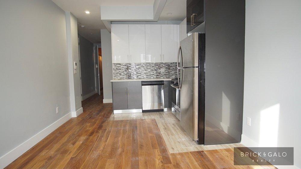 510 Jackson Ave3 bed - 2 bathRent $ 2,650 -