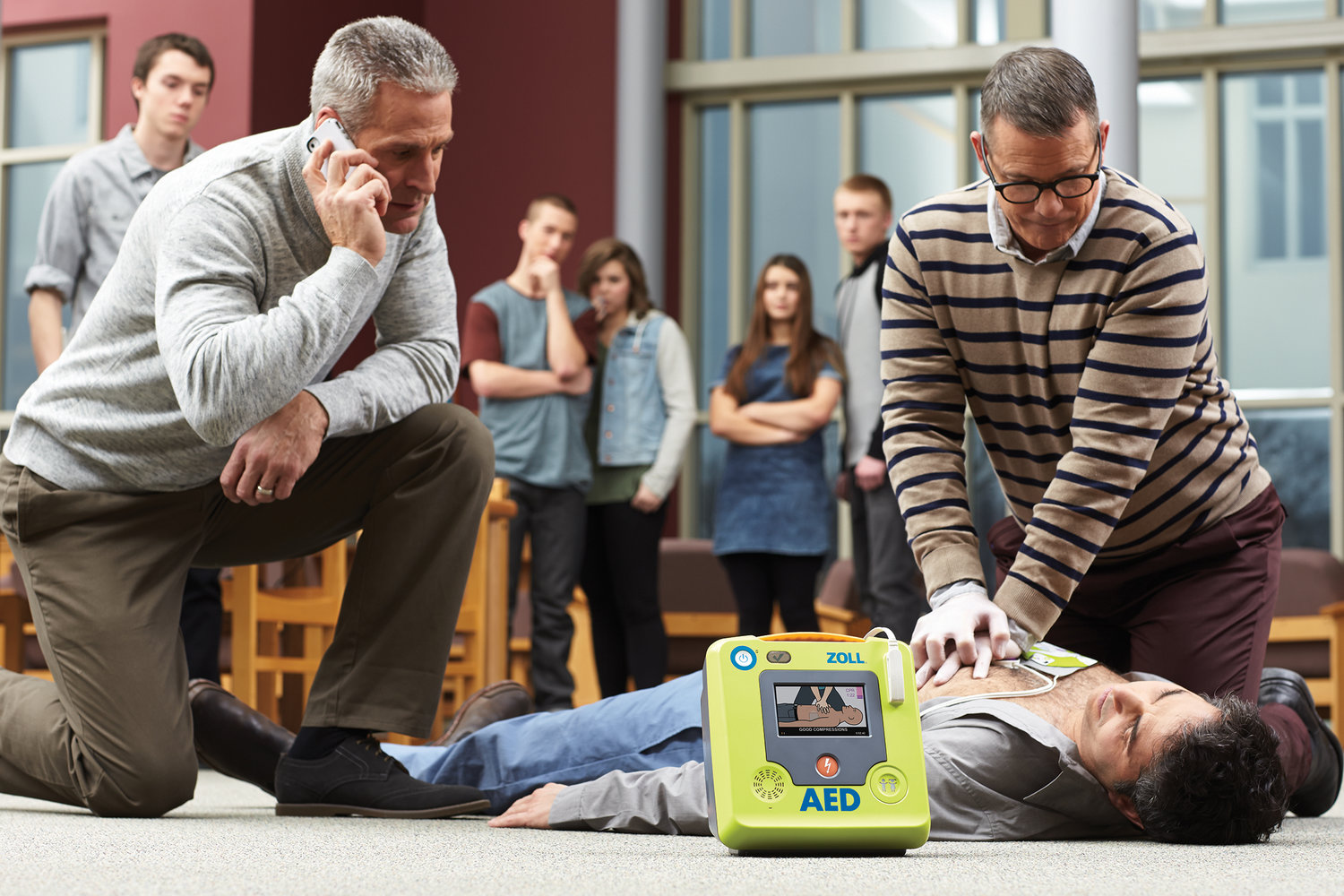 How to use an Automated External Defibrillator (AED) — Save-A-Life