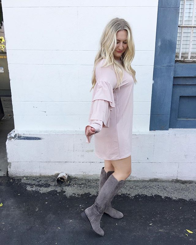 I have 1 small, 1 medium and 1 large left in the sweetest blush dress ever💕 I'm offering it for $15 today only — dm me if you'd like to snag it! . . . . . . . .  #choosejoy  #ootd  #fashion #fashionblogger  #fallfashion  #communityovercompetition #thatsdarling #hersuccess #womenempowerment #girlboss #choosejoy #beingboss  #wanderlust  #goodvibes #sociality #insightoflight #thehappynow #bestofvsco #bedeeplyrooted #darlingdaily #finditliveit #widn #livethelittlethings #flashesofdelight #mylifeinpictures #theeverydayproject #artifactuprising #postthepeople