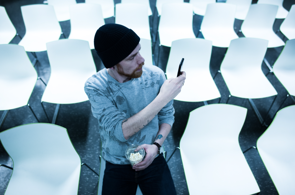 Snapper at folk snapper at fotografen fotografiserer meg. foto © Steffen Johansen