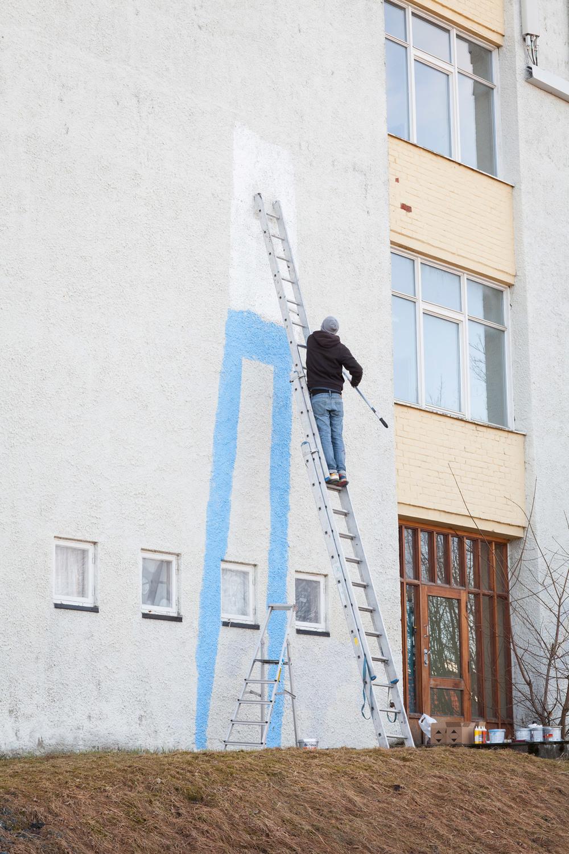 Verdens tørsteste vegg slukte maling. Masse maling!