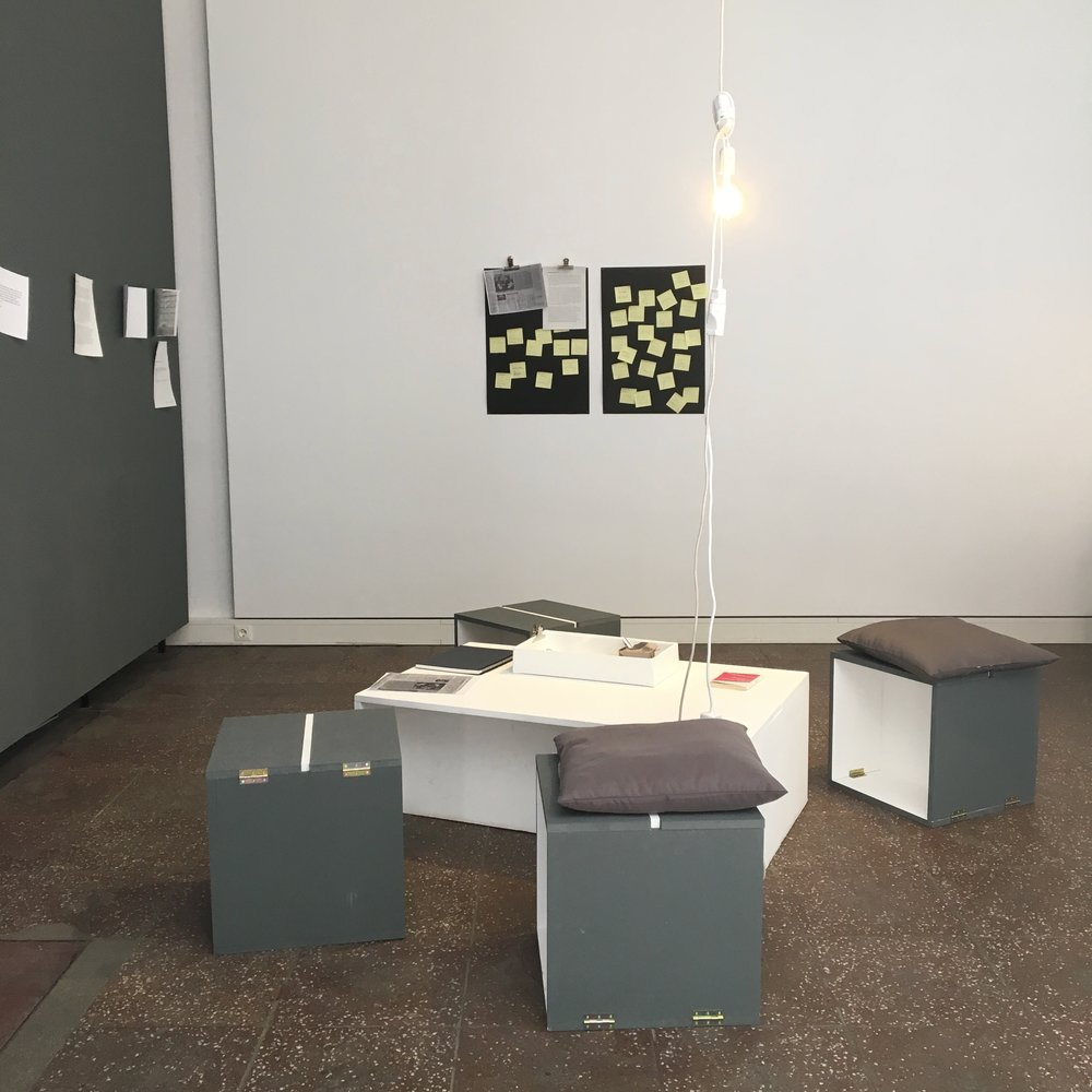 """En bit av utstillingen """"Work Play Display"""