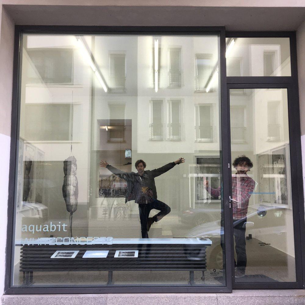 Aquabit Gallery. Herlig liten plass med inkluderende og trivelige folk. Første galleriet jeg har følt meg hjemme i i Berlin.