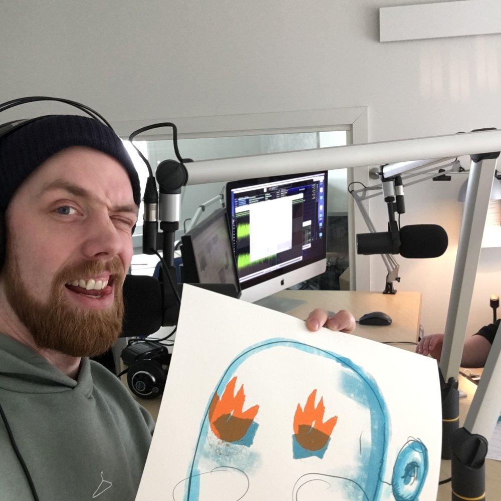 Gladlaks snakker om kunst på radio
