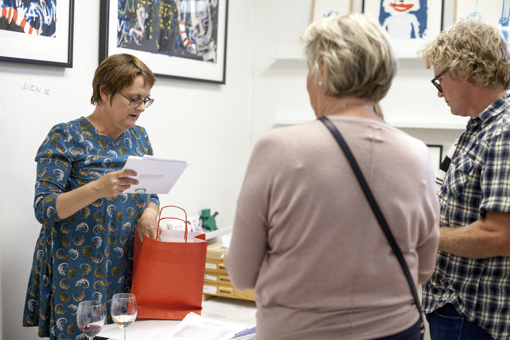 Sigrid pakker kunst til folket <3