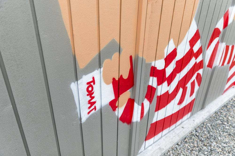Warhol-referansene popper opp.
