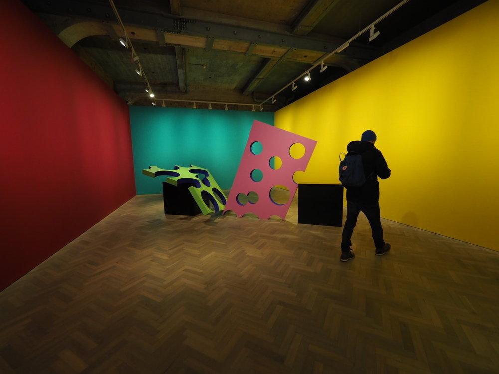 Slik som dette galleriet i Westminister. Det hadde et rom. Det så sånn ut. Herlig!