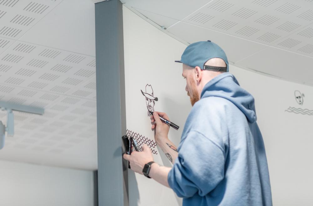 En liten illustrasjon av Rune Rudberg var logisk å ha på veggen.
