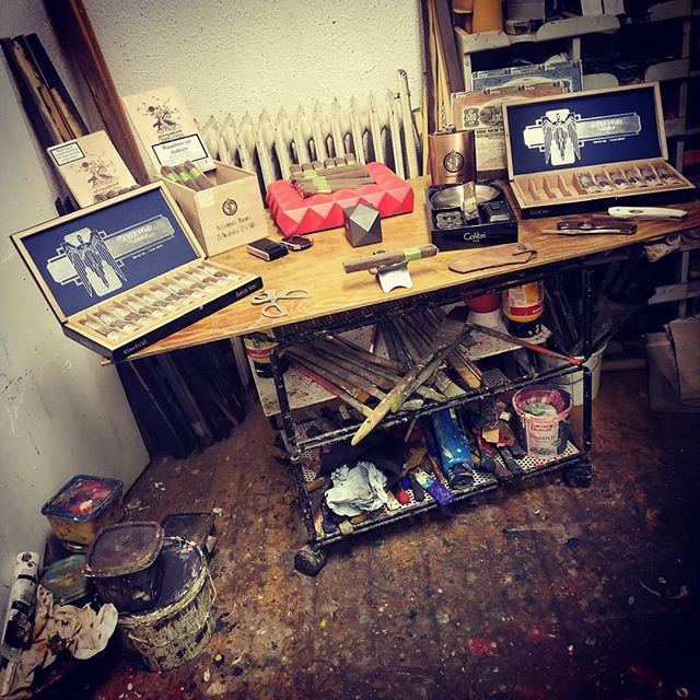 #PrincipleCigars night in the studio of Jan Erik Willgohs, #Bergen, #Norway. . . #Cigar #Cigars #시가 #雪茄 #цигара #Sayujar #Sigaar #Sigari #Cigare #Zigarre #葉巻 #Sigaro #Cigārs #Cigara #Trabuc #Cygaro #сигара #Cigarro #Cigarr #Sigar #Puro #ArtStudio #FineArt #AviatorSeries #BOTL #SOTL #CigarLife