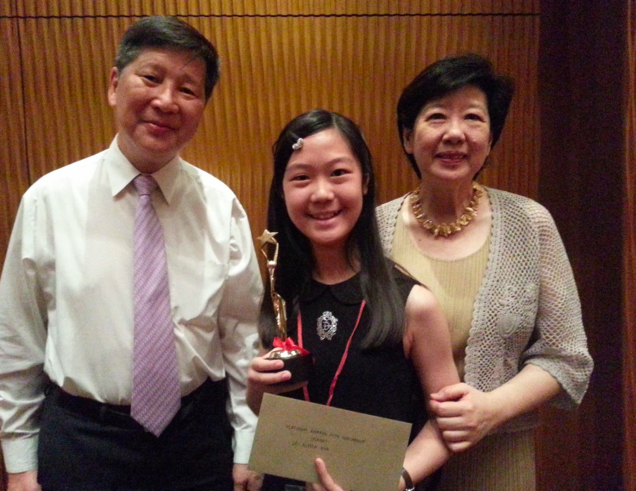 Alyssa Kok (11 y.o.), bags the Platinum Award and the Lee Foundation Festival Scholarship at the recent Singapore Performers' Festival.
