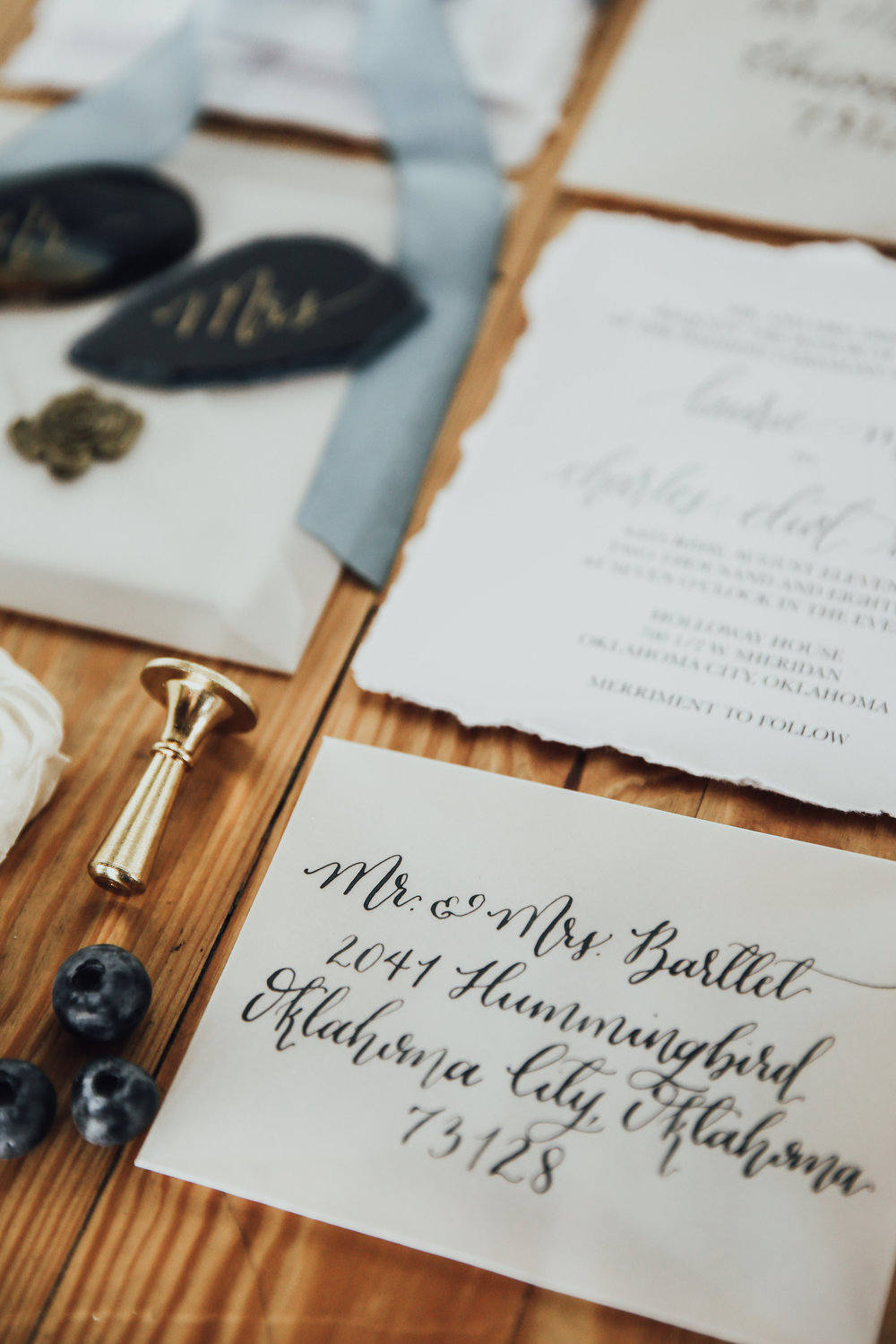 Photo by Rachel Photographs | Stationery by Celeste Paper Co. | Venue: Holloway House
