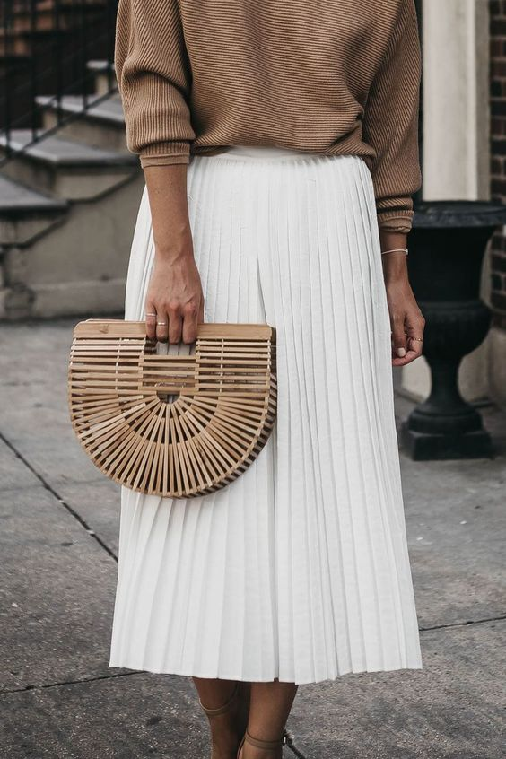 pleated skirt.jpg