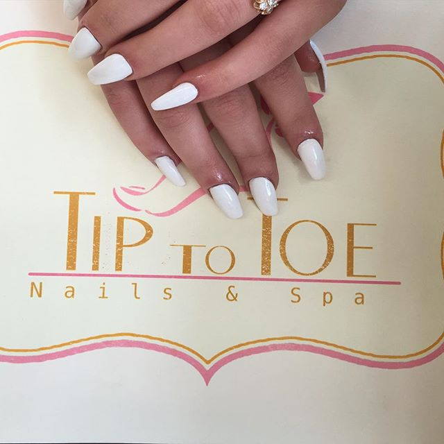 White 💅🏼👌🏽!!! Share, Comment , tag and like!!! #white #nails #design #nailswag #nailsofinstagram #nails2inspire #nailsoftheday #nailsalon #nailsart #nailsdid #nailstyle #nailsdone #nailsdid #nailsoffleek #nailsaddict #nailspolish #nailspa #losangeles #dtla #usc #uscsorority #uscsororitygirl #uscsororitygirls #usccampus #lacc #lattc #tag #like #share #comment #follow