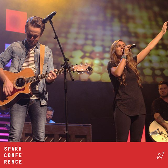 """Let it be Jesus!"" Amazing worship to kick of Night 1 of #SPARKconf2017"