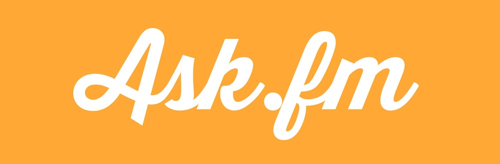 Ask.fm is a site that is set up in a question and answer format. It seems so harmless and yet many parents are saying NO WAY when their kids ask to use it. So what is Ask.fm all about? The issue is that i is very much an anonymous app and very much unmonitored. This combination makes it a breeding ground for inappropriate interactions on Ask.fm. This post breaks down the exact details of how kids use Ask.fm and what parents need to know about Ask.fm before saying yes, their kids can use it. BONUS: There is a free, downloadable and printable list of exactly what kids should do if they see something unsafe online. So important!