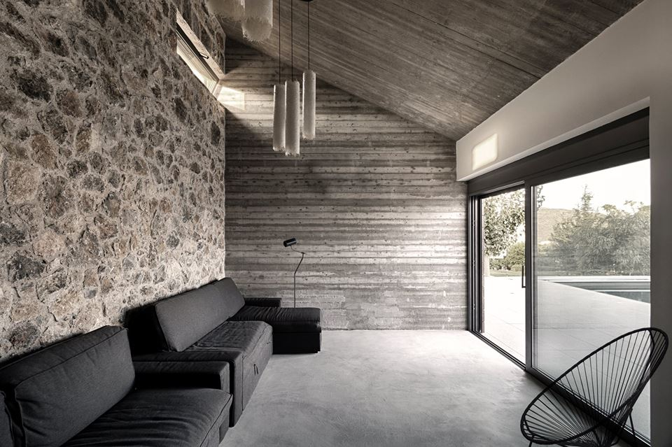 A monolithic residence in Aliveri