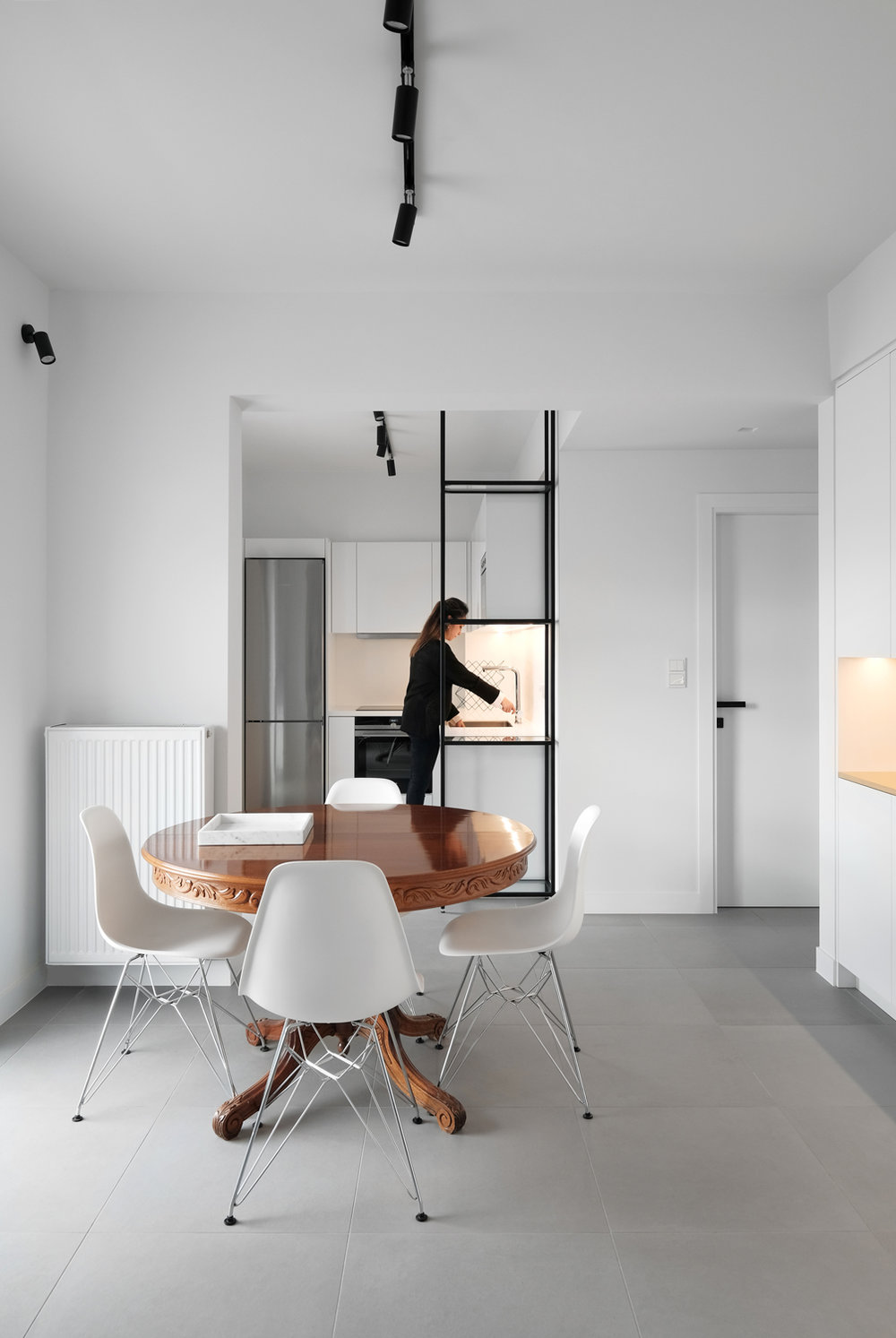 Apartment renovation in Kallithea, Papandreou-Tsakmaki architects