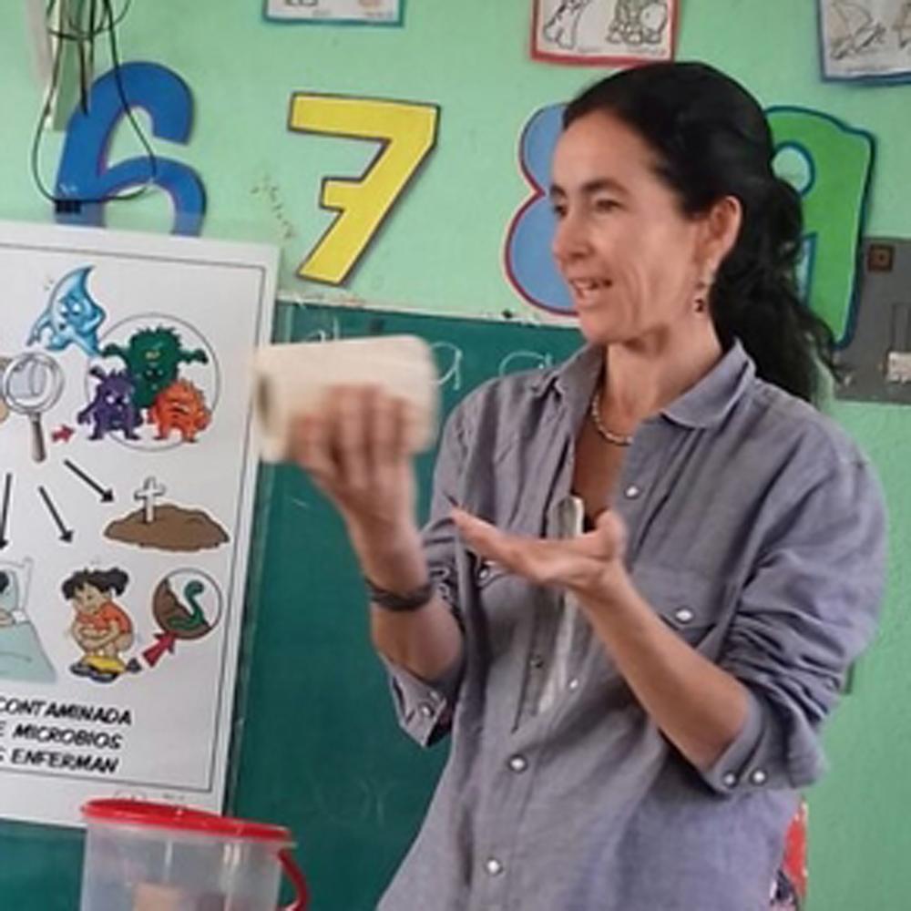 Casilda Barajas - Promotor de Agua Sana, Saludable y Susentable