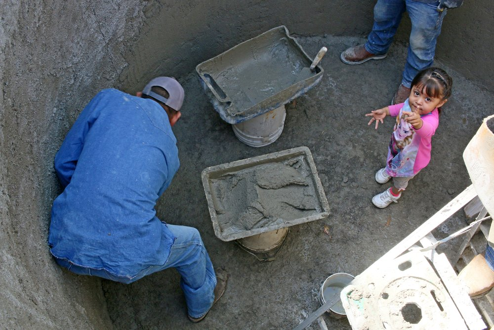 Building cisterns in Pozo Hondo is a community effort.