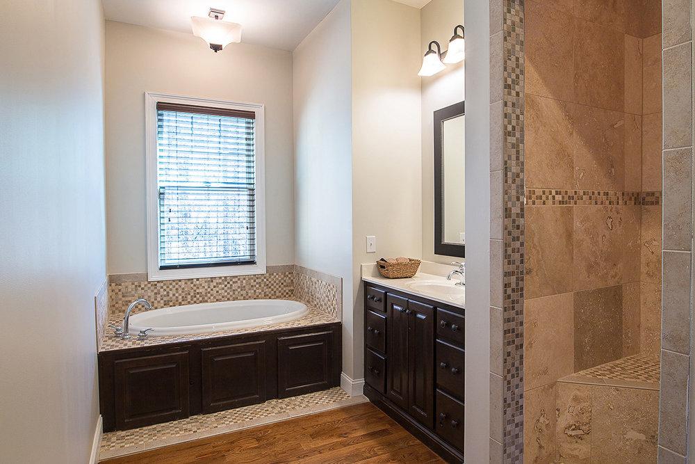chattanooga-real-estate-bathroom.jpg