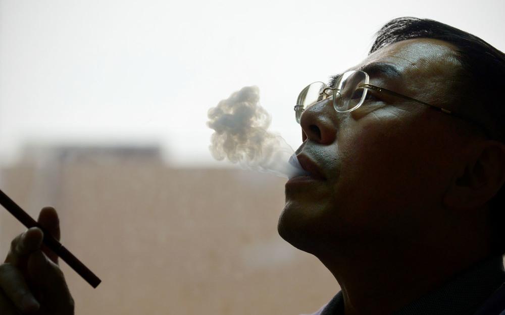 El inventor del cigarrillo electrónico Hon Lik