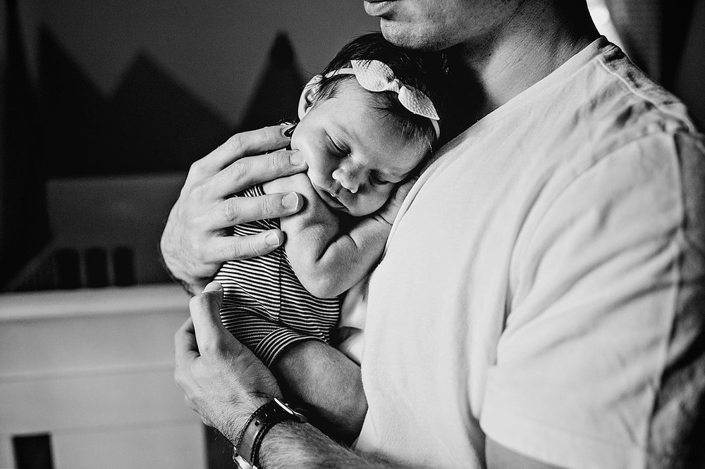 penso-newborn-child-family-lifestyle-in-home-session-akron-canton-cleveland-ohio-lauren-grayson-photography