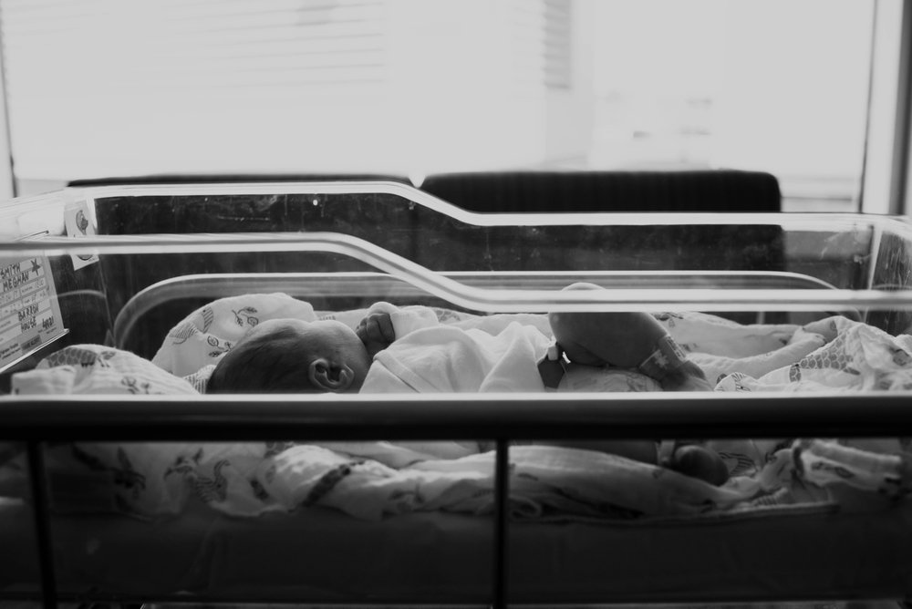 fresh-48-newborn-baby-hospital-photographer-lauren-grayson-akron-cleveland-ohio-emma_0059.jpg