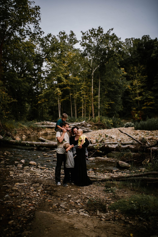 Cetnar-family-lauren-grayson-medina-akron-ohio-family-photographer_0001.jpg