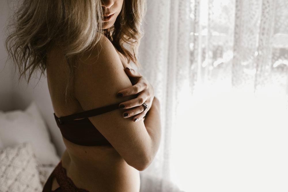 natalie-g-boudoir-lauren-grayson-akron-ohio--4.jpg