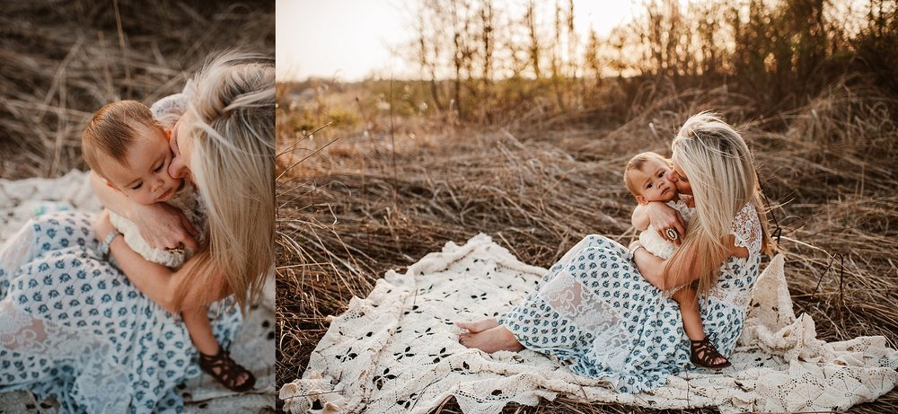 lauren-grayson-photography-portrait-artist-akron-cleveland-ohio-photographer-family-motherhood-fields-sunset-spring-photos-family-child-tallmade-photographer_0272.jpg