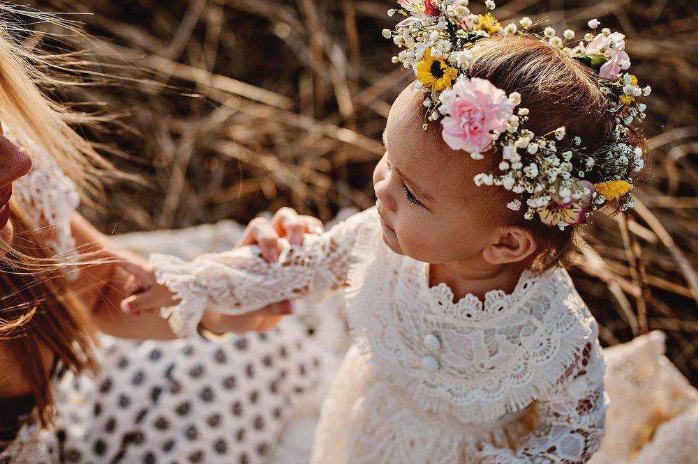 lauren-grayson-photography-portrait-artist-akron-cleveland-ohio-photographer-family-motherhood-fields-sunset-spring-photos-family-child-tallmade-photographer_0263.jpg