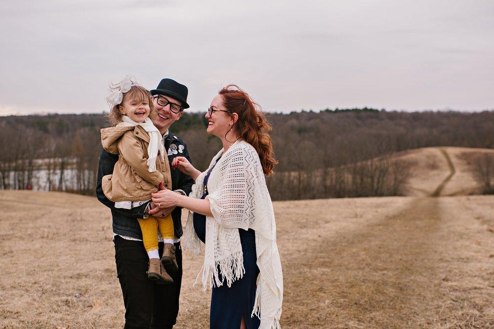 lauren-grayson-photography-portrait-artist-akron-cleveland-ohio-photographer-growth-comparison-breakout-clickin-moms_0083.jpg